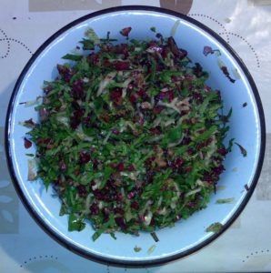 Огурец, лист свеклы, лист красного салата