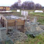 Баня, новый фундамент, заготовка брёвен